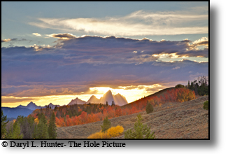 crepuscular rays, grand tetons, fall colors, autumn, jackaon Hole, wyoming